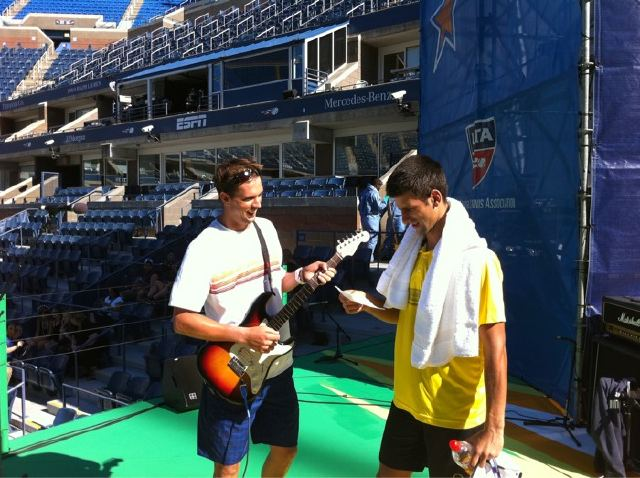 "Mike and Djokovic rehearsing ""Autograph"""